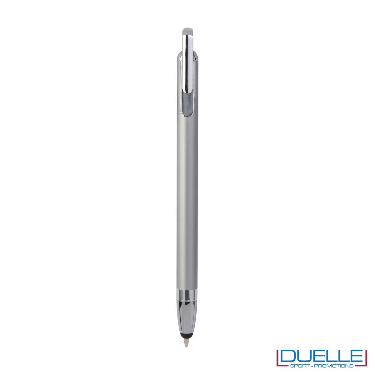 Penna touch screen con fusto interamente in metallo e puntale in plastica colore argento