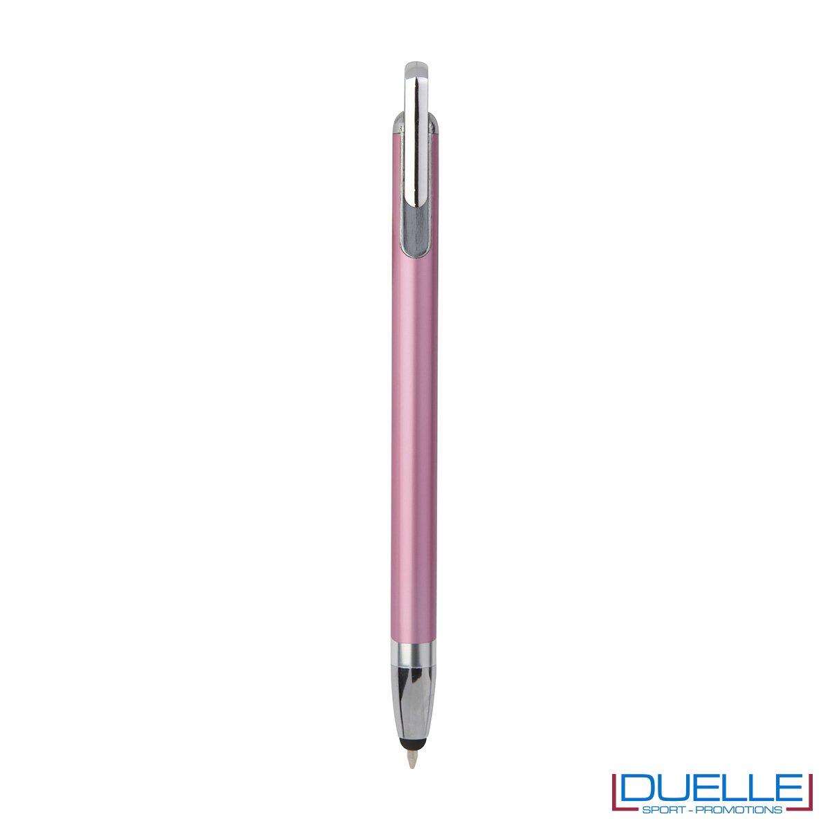Penna touch screen con fusto interamente in metallo e puntale in plastica colore rosa