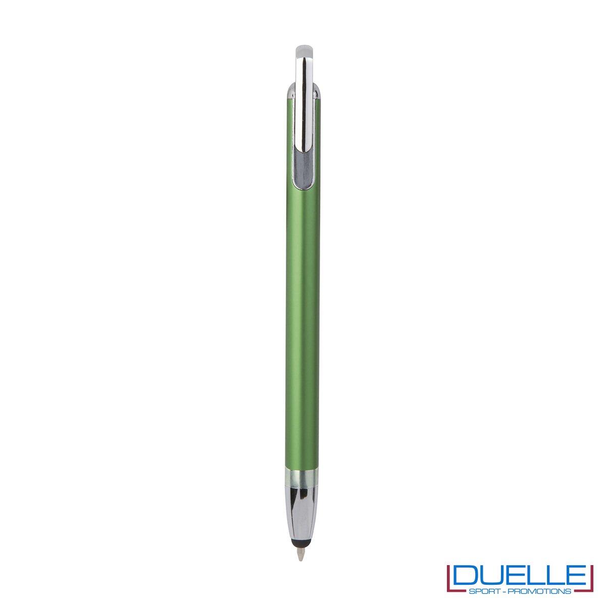 Penna touch screen con fusto interamente in metallo e puntale in plastica colore verde