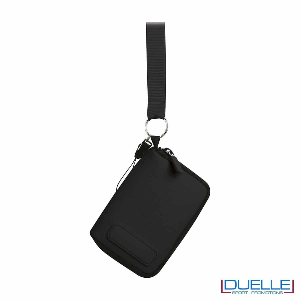 portacellulare da collo con cerniera e foro per cuffie in colore nero personalizzato, gadget estate, gadget personalizzati