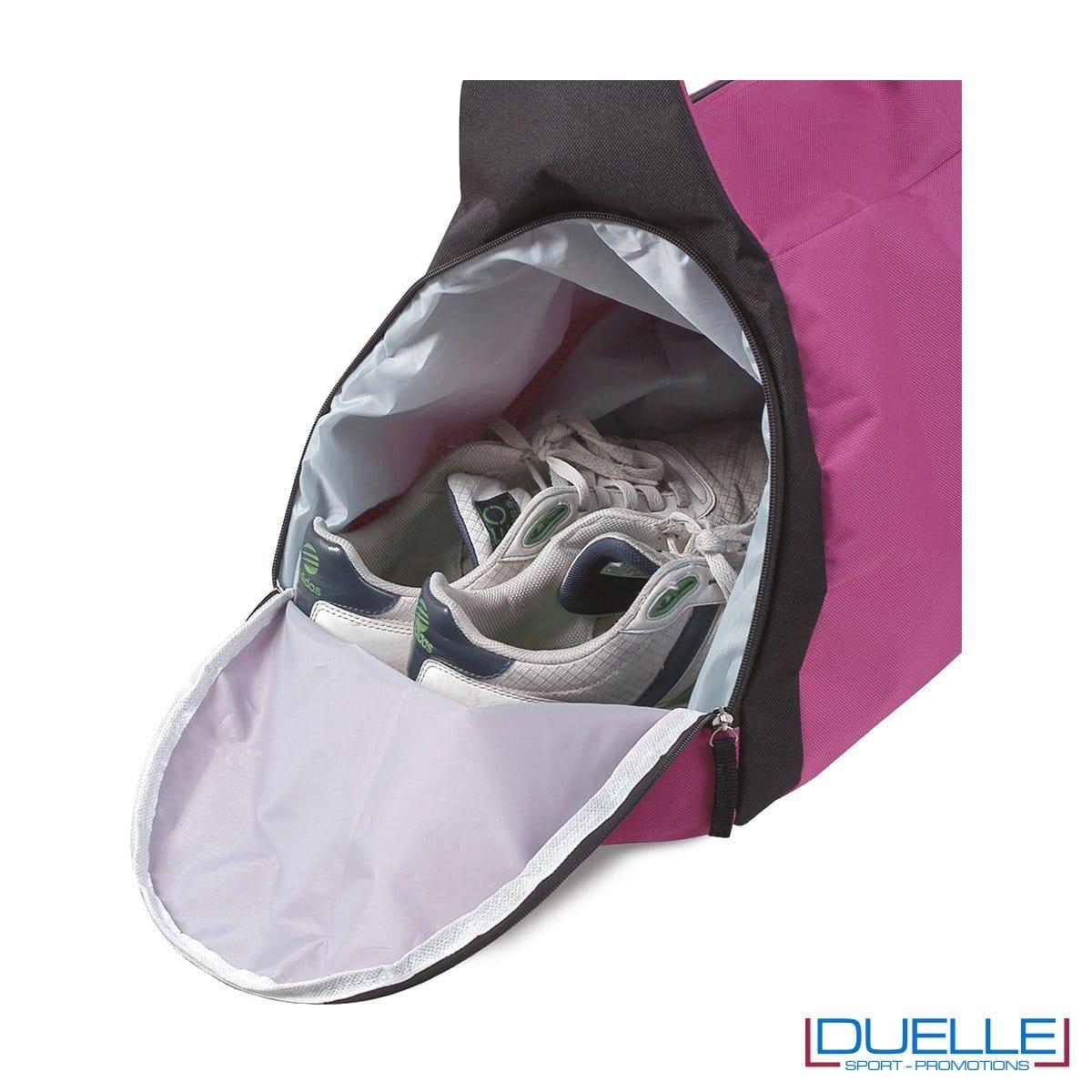 particolare chiusura porta scarpe della borsa sportiva colore FUXIA ideale per la palestra, borse sportive personalizzate, gadget sportivi personalizzati
