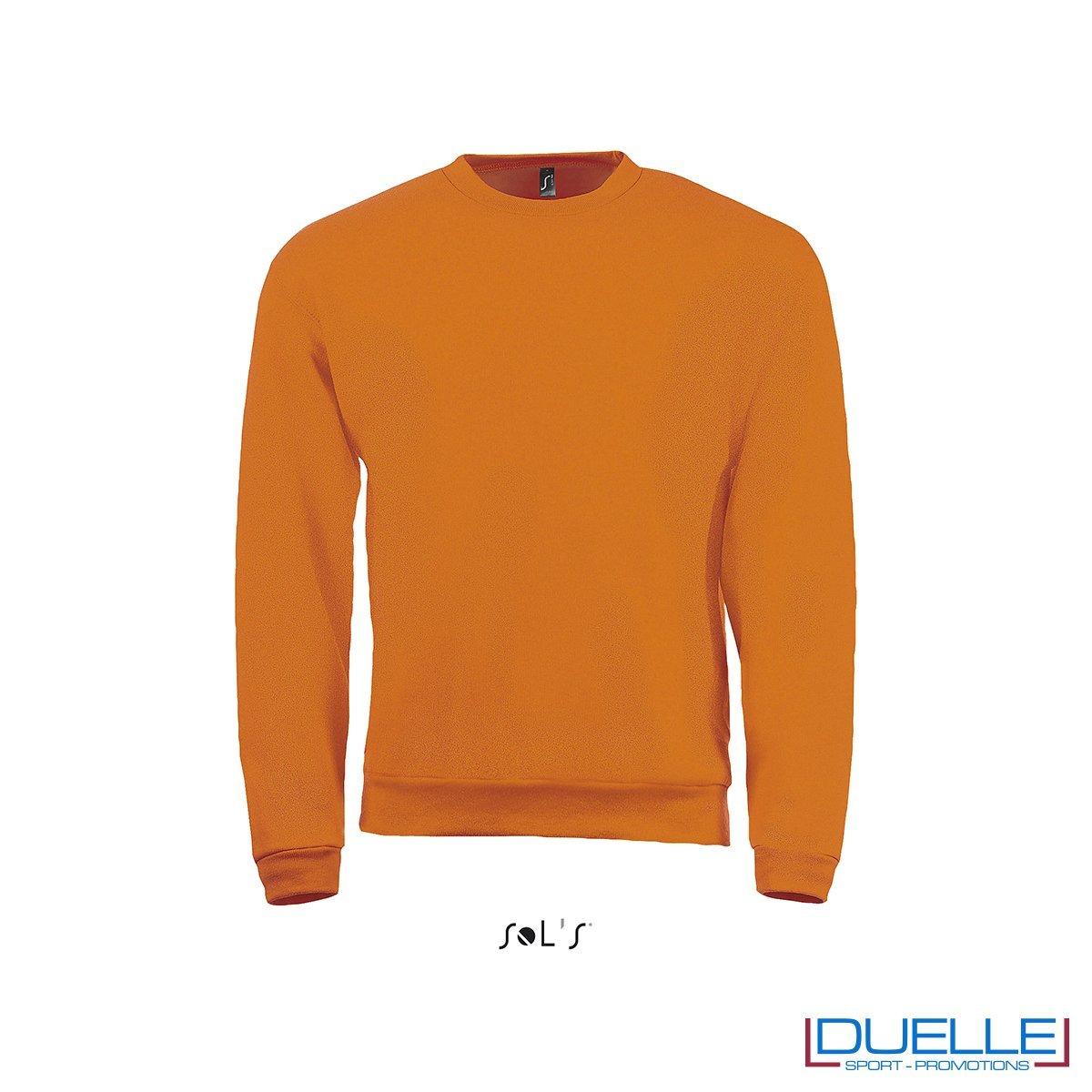 felpa personalizzata con girocollo in colore arancione, felpe personalizzate, abbigliamento promozionale personalizzato