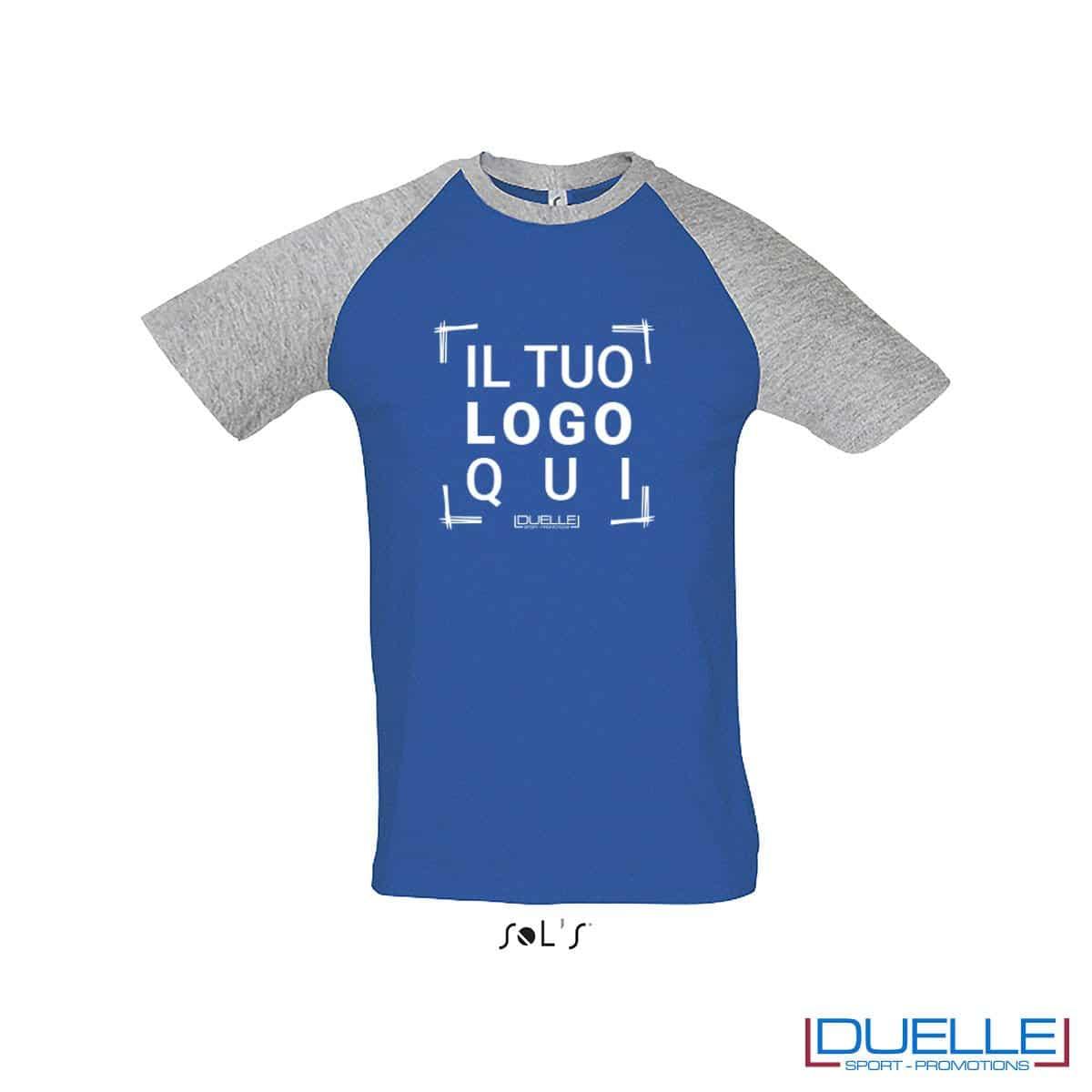 t-shirt personalizzata sportiva bicolore in colore grigio e blu royal, abbigliamento sportivo personalizzato
